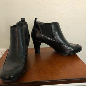 Like new Aerosoles low cut  black leather boots